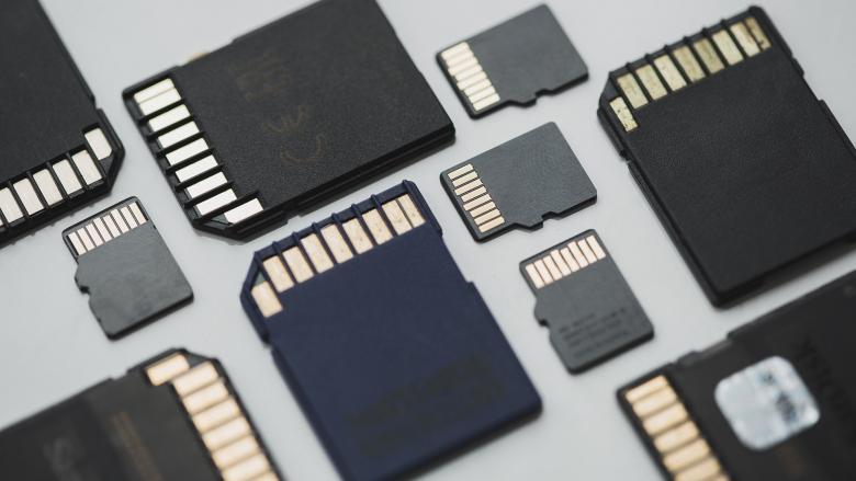 هكذا تختار بطاقة الذاكرة المناسبة لهاتفك بطريقة علمية