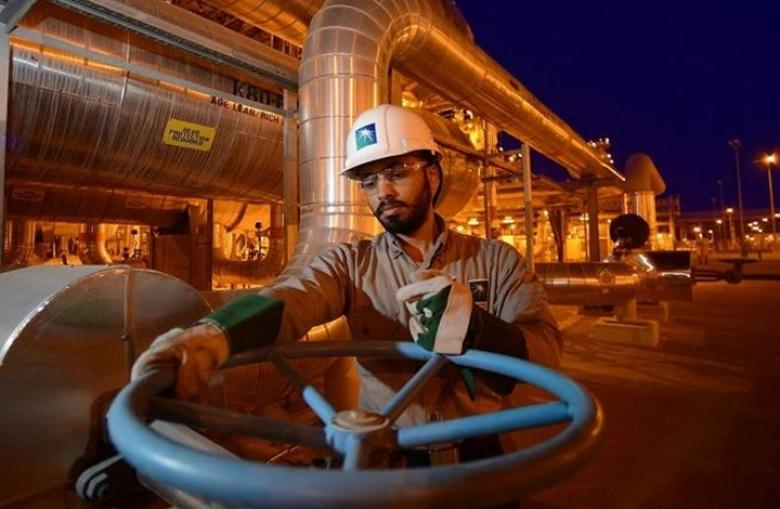 إغلاق حقل سعودي يرفع أسعار النفط لأعلى مستوى في 2019