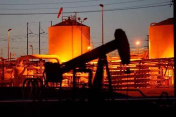 النفط يهبط.. مع تصاعد خلافات واشنطن وبكين