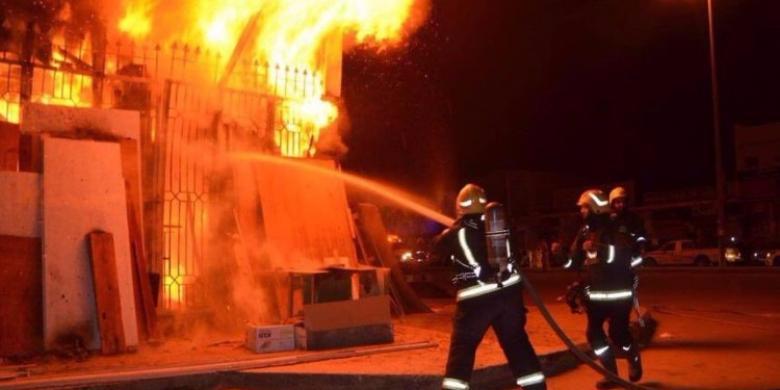حريق في حي الزيتون بغزة يخلف أضراراً مادية