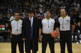 بالصور: حكام كرة السلة .. قضاة الملاعب الصعبة