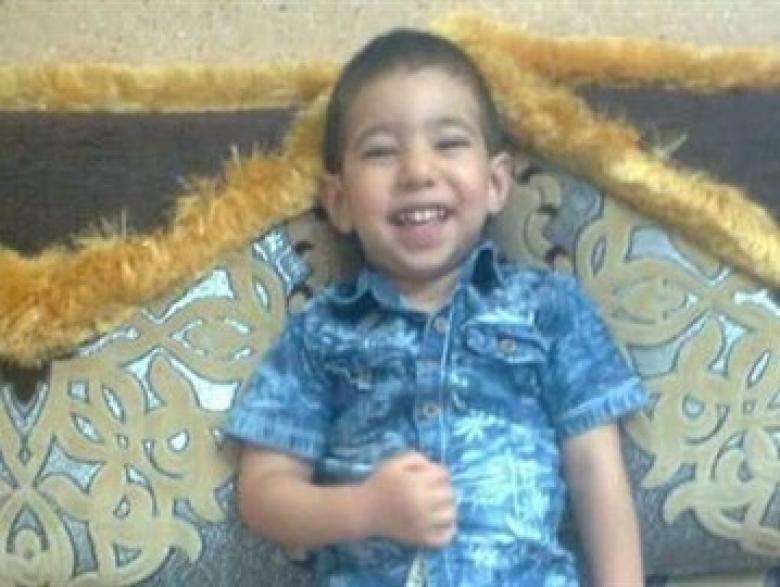 قتل ابنه بالسم ووضع مصحفا جنبه انتقاما من طليقته