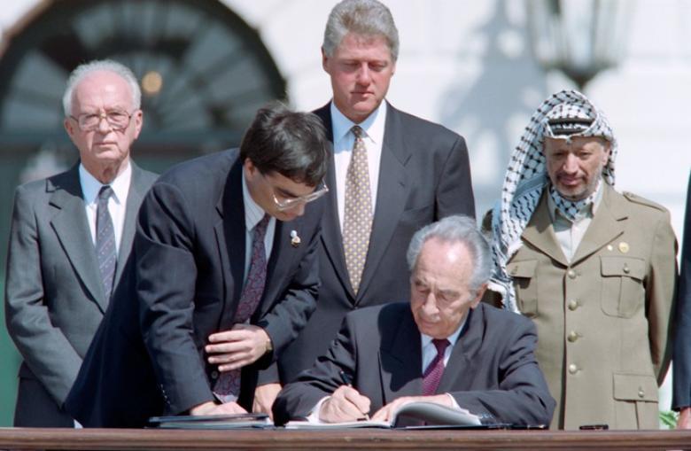 آفي شليم: بعد ربع قرن.. لماذا فشلت اتفاقية أوسلو؟
