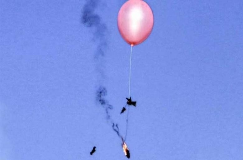 بالونات حارقة ومفخخة في غلاف غزة