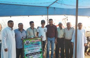 حماس تعايد جرحى مسيرات العودة بالنصيرات