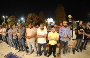 صلاة العشاء والتراويح من المسجد الأقصى