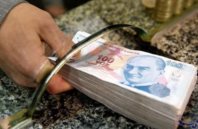 سر عودة الليرة التركية للهبوط رغم تحسن مؤشرات الاقتصاد