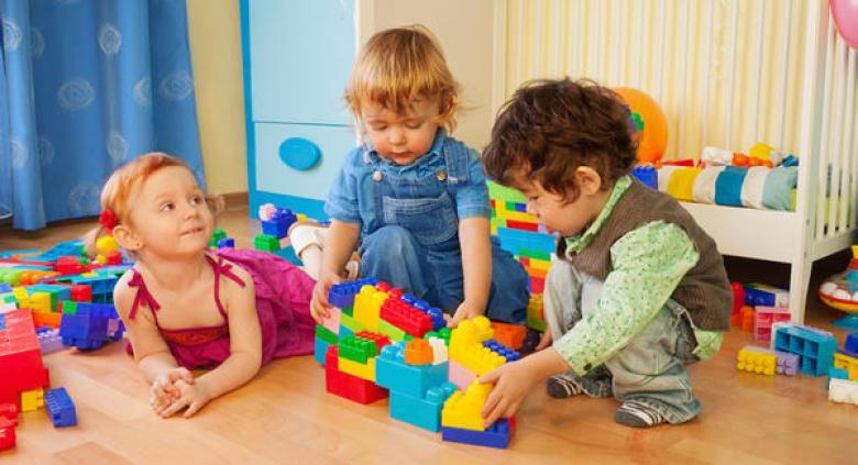 طرق اختيار اللعبة الآمنة لطفلك