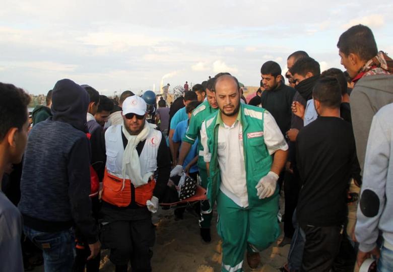 الخدمات الطبية تسعف 63 مصاباً في المسير البحري الخامس عشر