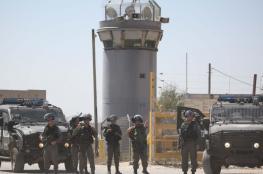 الأسرى يهددون بالتصعيد ضد أجهزة التشويش