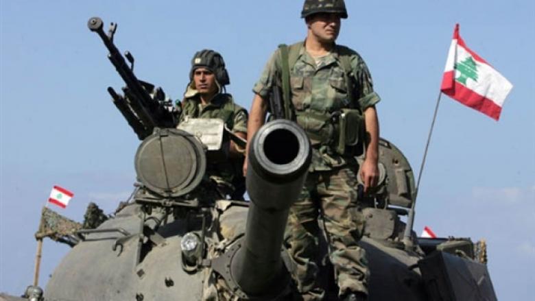 الجيش اللبناني يشن قصفاً عنيفاً على مواقع داعش
