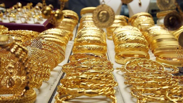 الذهب يرتفع مع هبوط الدولار لأدنى مستوياته