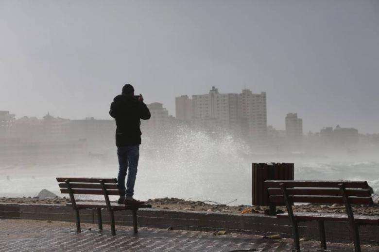الطقس: منخفض قطبي وأجواء شتوية استثنائية غدا