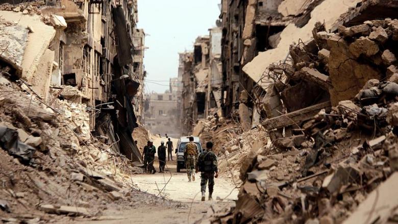 وعود بإزالة الركام من مخيم اليرموك قريبا