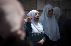 أهالي القدس يواصلون اعتصامهم على أبواب الأقصى