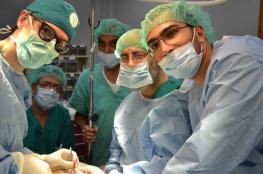الخدمة العامة تجري عمليات جراحية طارئة لمرضى من وزارة الصحة
