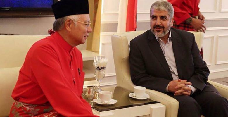 وفد برئاسة مشعل يلتقي رئيس الوزراء الماليزي