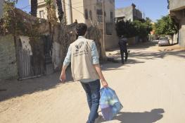 """""""إحسان"""" يوزع مساعدات على الأسر الفقيرة بدير البلح"""