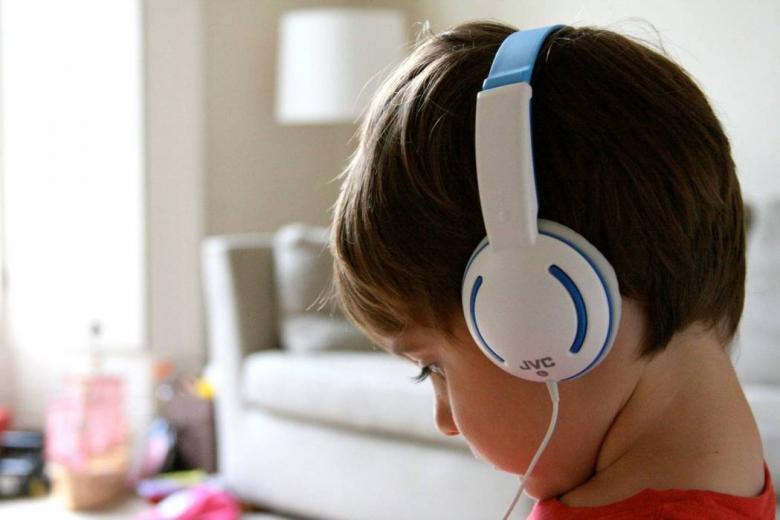 كم المدة القصوى المسموح بها يوميا لاستعمال سماعة الرأس؟