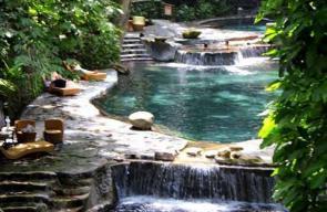 حمامات طبيعية حول العالم