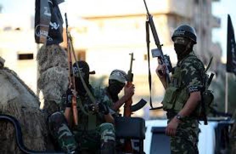 """""""المقاومة الشعبية"""" تطالب السلطة بوقف التنسيق الأمني"""