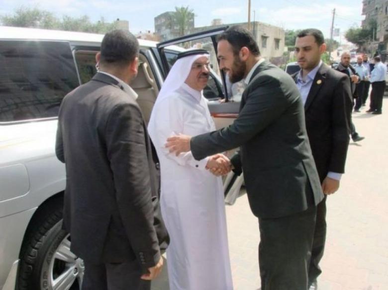 السفير العمادي يصل غزة عبر معبر بيت حانون