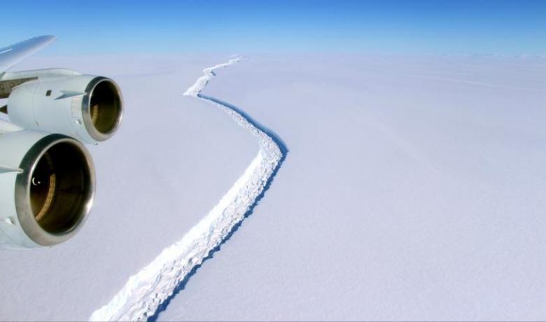 تريليون طن من الجليد ينفصل عن القطب الجنوبي