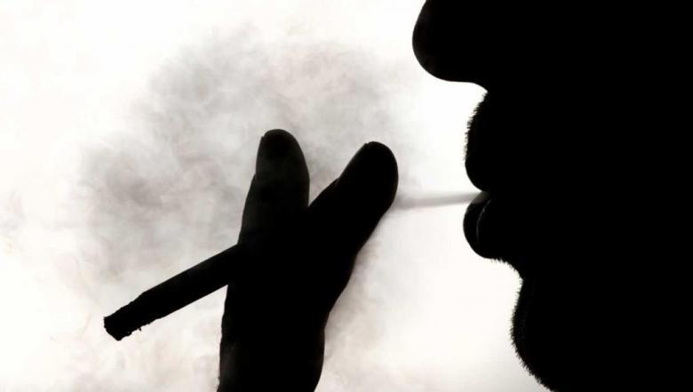 10 أعراض لسرطان الفم والحلق