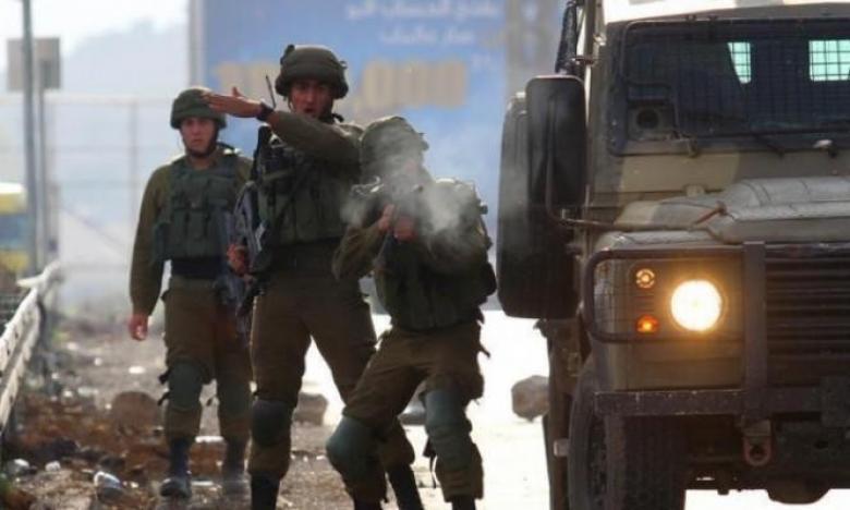 إصابة شاب برصاص الاحتلال وأضرار بمنازل في العيسوية