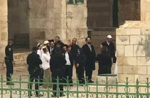 اقتحام المستوطنين لباحات المسجد الأقصى