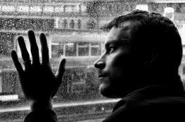 ما هي المسببات الرئيسية للاكتئاب؟