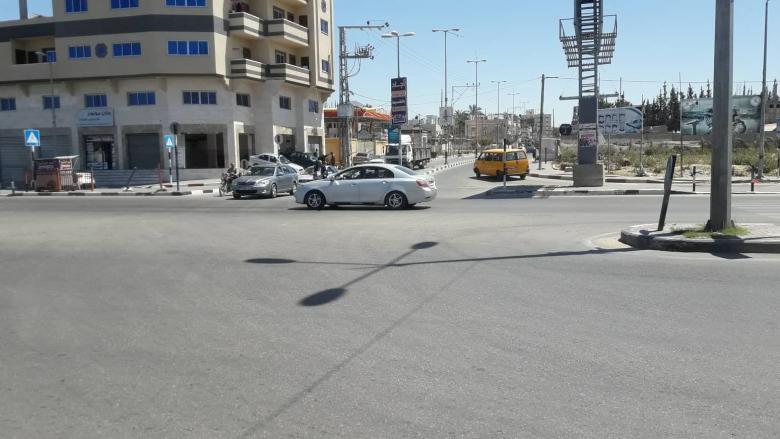 نشطاء يستعدون لإطلاق مبادرة لرصف الشارع الواصل بين البريح والمغازي