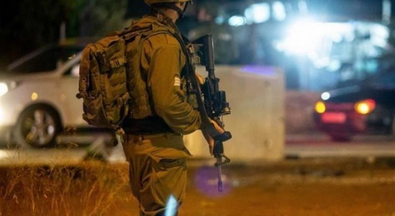 حملة اعتقالات ومداهمات في الضفة والقدس المحتلتين