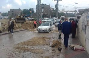 بلدية النصيرات تتفقد آثار المنخفض الجوي