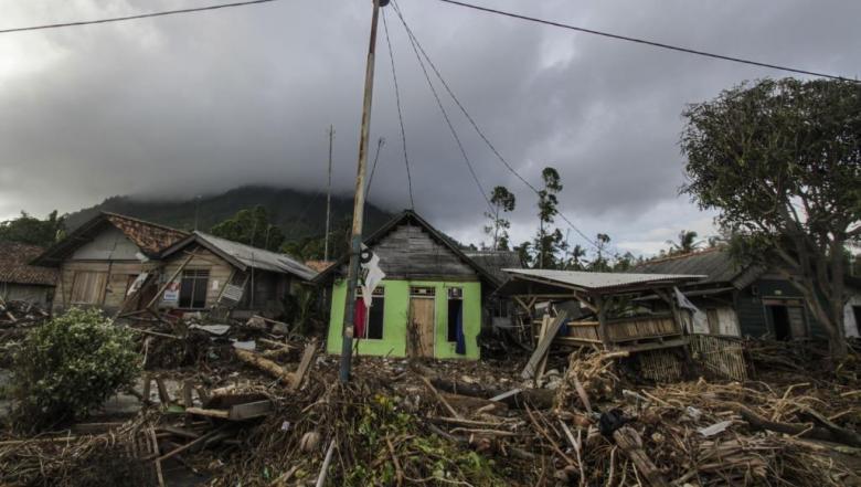 زلزال عنيف يضرب شرق إندونيسيا وتحذيرات من تسونامي