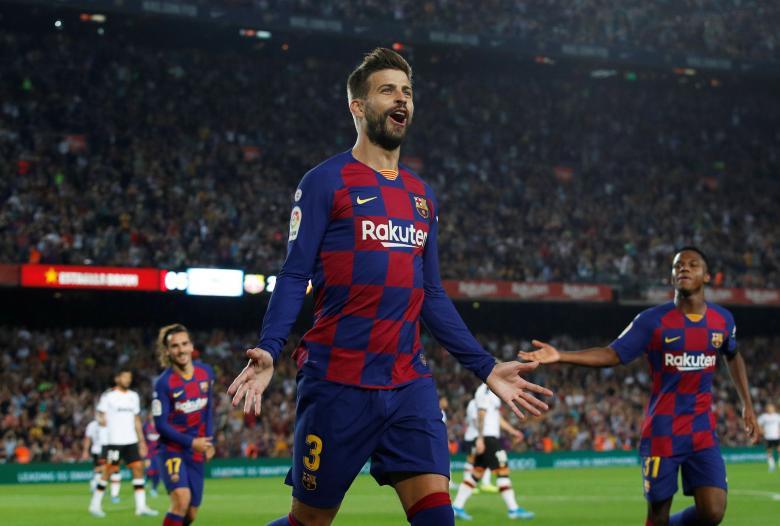 أول طلب من بيكيه لجماهير برشلونة بعد التعثر أمام سلافيا براغ