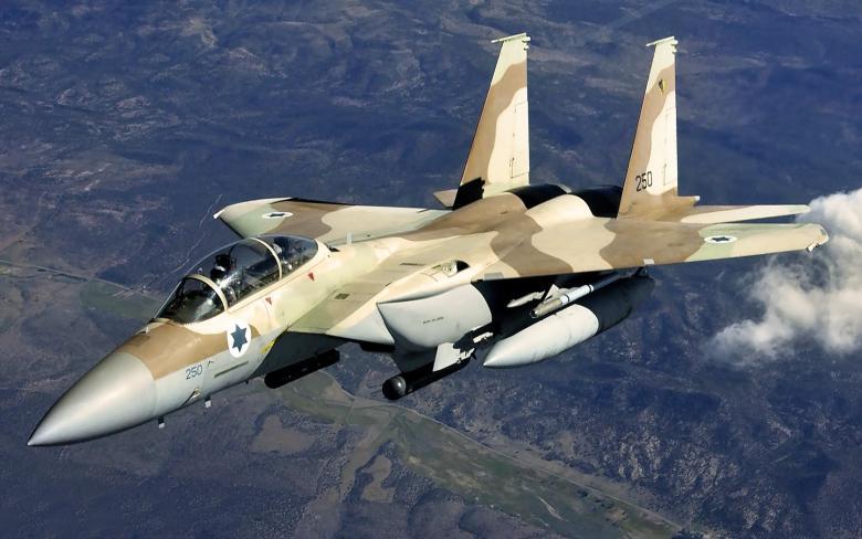 """""""إسرائيل"""" تقصف مستودع سلاح بمطار قرب دمشق"""