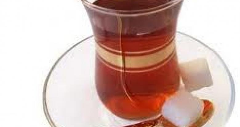 كوب شاي « ساخن » يكلف شركة طيران 800 ألف $