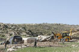الاحتلال يهدم منشآت سكنية وحظائر أغنام بالأغوار الشمالية
