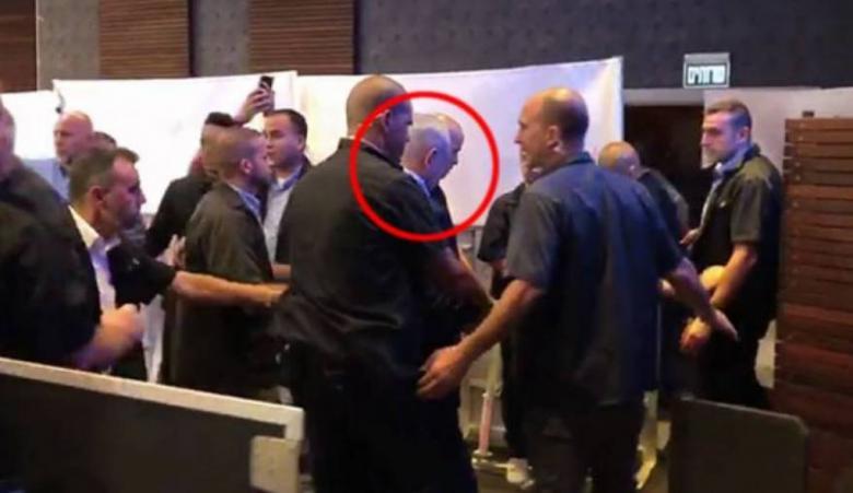 """هكذا برر """"الليكود"""" هروب نتنياهو إلى أحد الملاجئ في أسدود"""