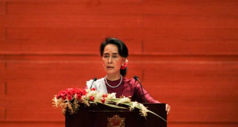 """زعيمة ميانمار: لست """"لينة"""" مع الجيش"""
