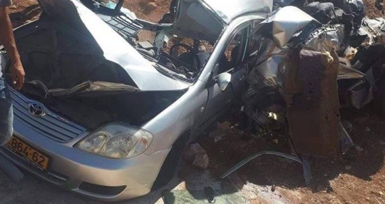 مصرع شخصين وإصابة ثالث بجروح خطيرة بحادث مروع
