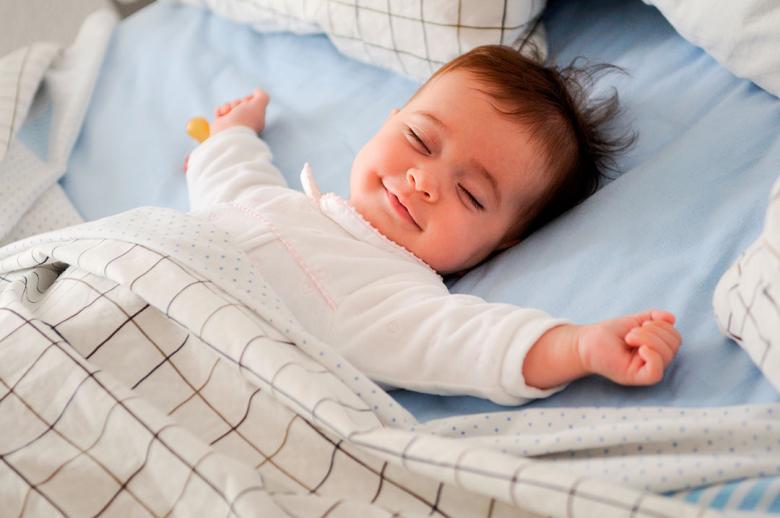 فتح النوافذ للتهوية يمكن أن يحسن نوعية النوم