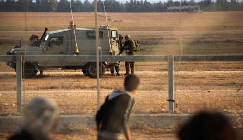 جيش الاحتلال يعتقل فلسطينيا قرب السياج جنوب قطاع غزة