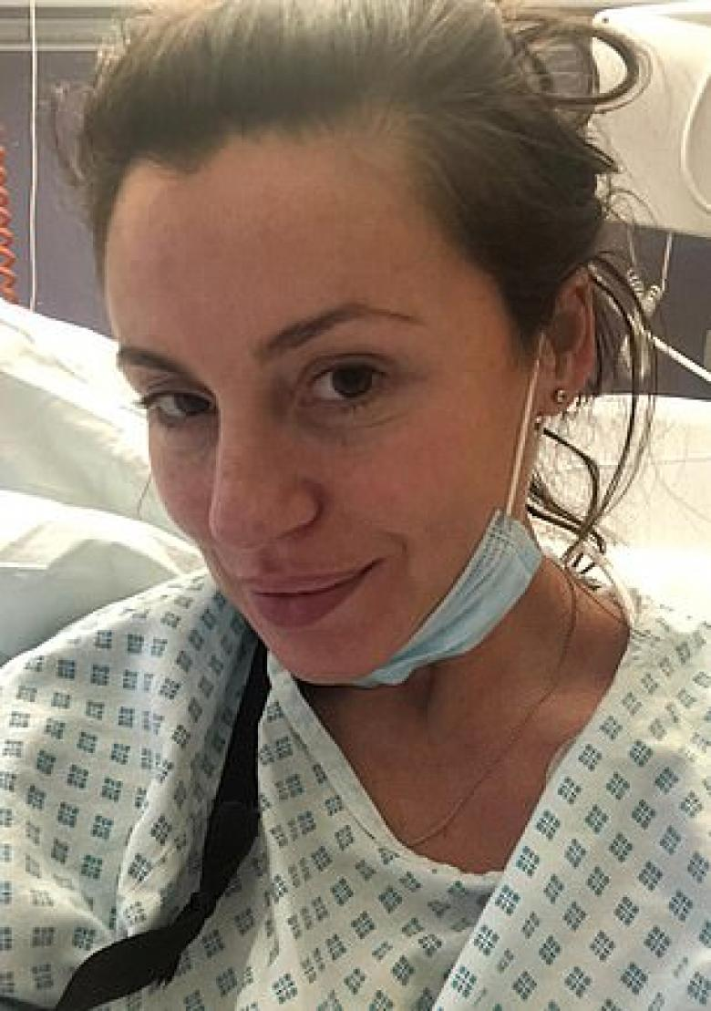 فيديو جديد لأشهر مصابة بكورونا: أنا أتنفس!