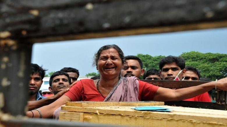 هندية تعود إلى الحياة أثناء التحضير لدفنها