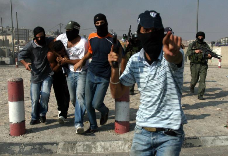 الاحتلال يختطف شاباً شرق طولكرم