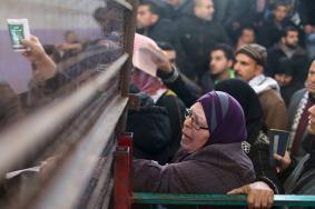 مغادرة 5 حافلات و5 سيارات إسعاف عبر معبر رفح