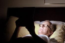 النوم في الضوء يزيد مخاطر التعرض للسرطان