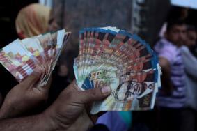 مالية غزة: لا خصومات لفاتورتي جوال والكهرباء من الراتب